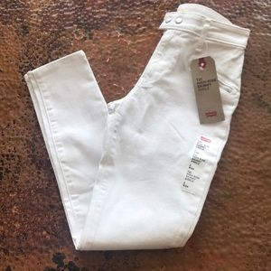 {Levi's} 721 High-Rise White Skinny Ankle. Size 26